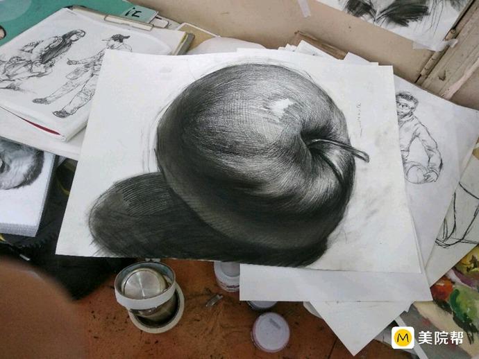 素描苹果作品