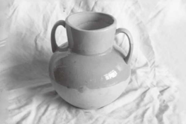 双耳陶罐图片