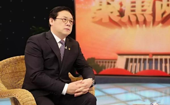 全国政协委员、中国美术家协会分党组书记徐里