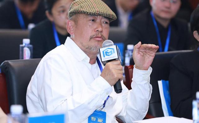 中央美术学院造型学院副院长王华祥发言