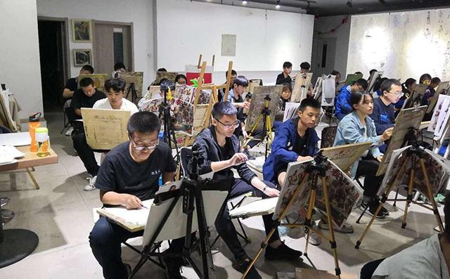 美术高考结束后考生易出现的心理问题及如何调整心态