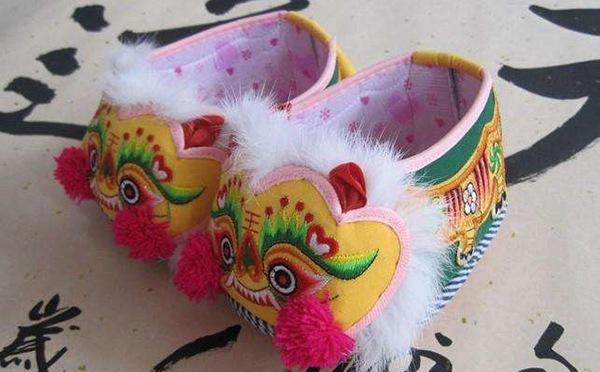 布老虎和虎头鞋
