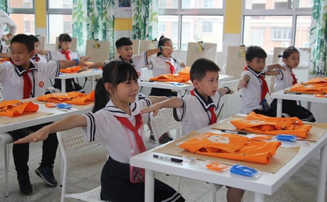 三阳明德学校的学生