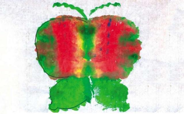 幼儿园小班染画美术作品
